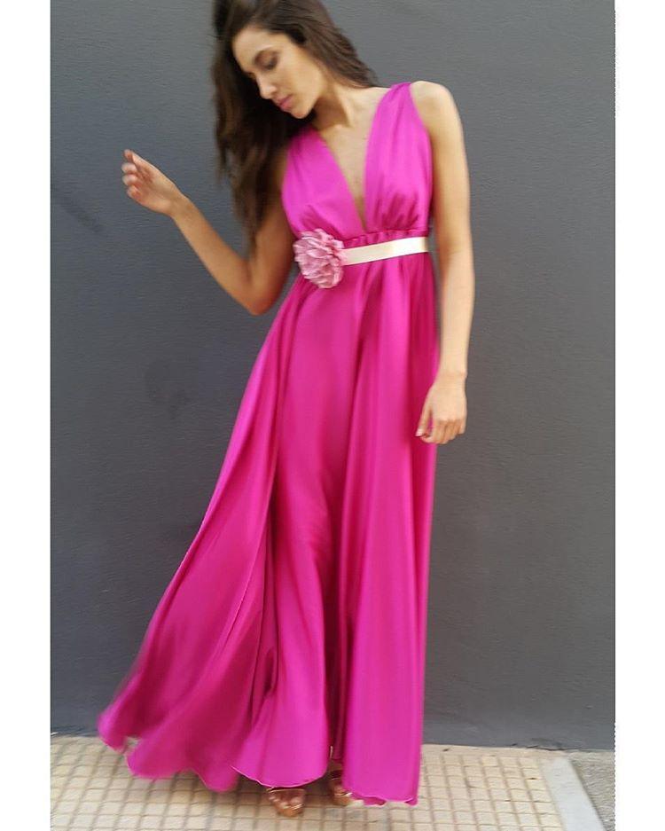 cf9a509dff96 romantic satin maxi φόρεμα σε φούξια